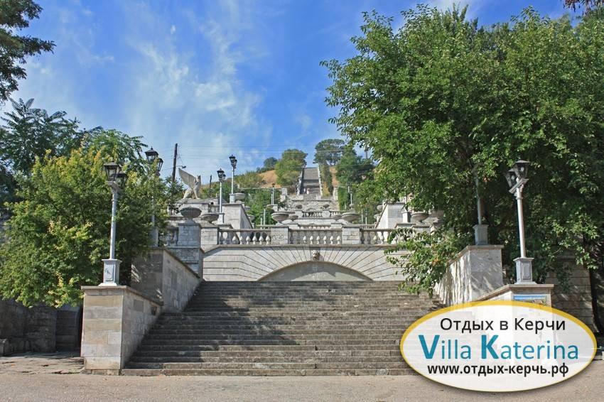 Большая Митридатская лестница. Отдых в Крыму